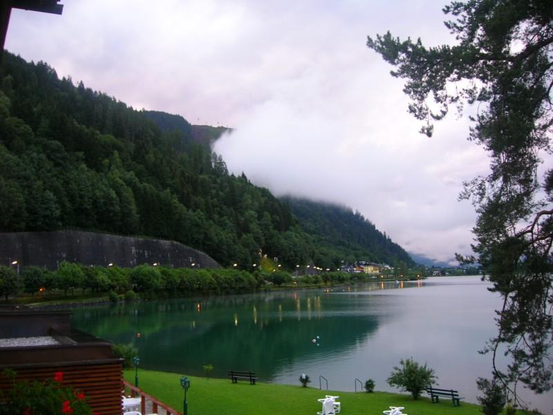 جزيره في النمسا اسمها zelamsi  7974_01244740236