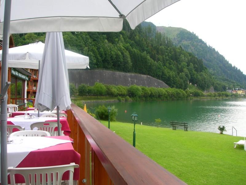 جزيره في النمسا اسمها zelamsi  7974_41244740236