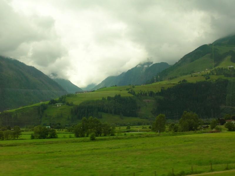 جزيره في النمسا اسمها zelamsi  7974_51244740236