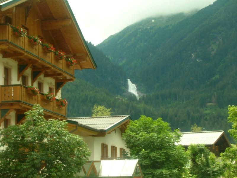 جزيره في النمسا اسمها zelamsi  7974_61244740236