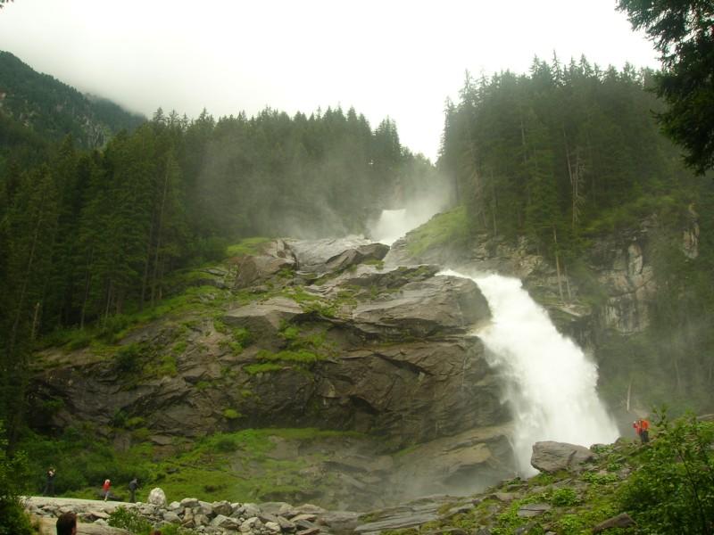 جزيره في النمسا اسمها zelamsi  7974_71244740236