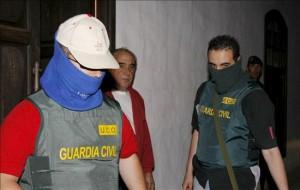 Asuntos Internos detiene a un guardia civil y a un ex agente en Málaga por un asunto de narcotráfico Guardia-2-300x190