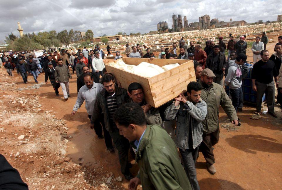 Libia. Internacionalismo proletario frente a apoyo a bandos capitalistas. - Página 11 Libia-guerra