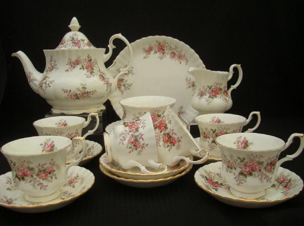 تشكيلة رائعة من أباريق وأكواب الشاي Tea.S.1