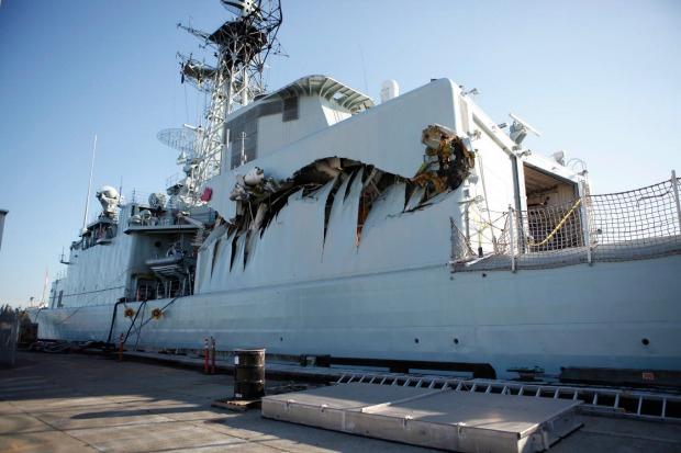 """Destroyers porte-hélicoptères classe """"IROQUOIS"""" Algonq-crash2"""