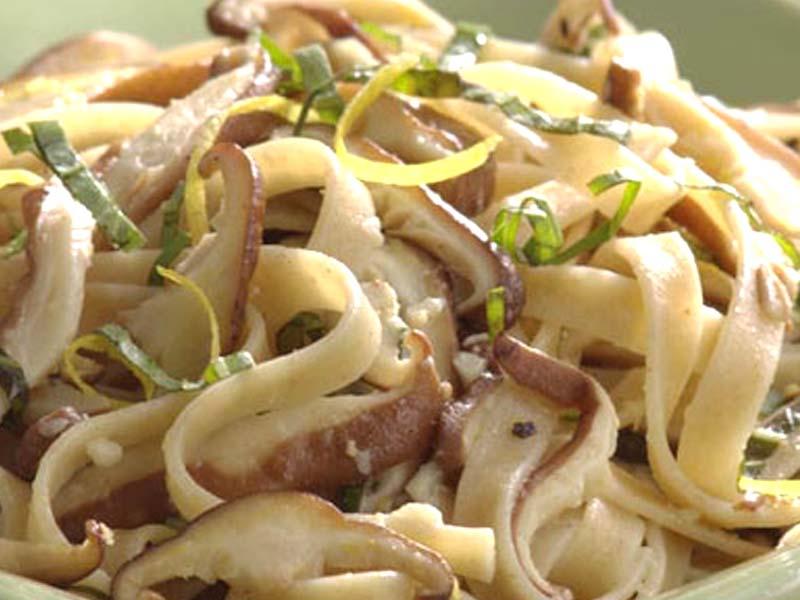 il post del cibo...cosa vi piace e cosa non vi piace in una foto Tagliatelle-funghi-porri