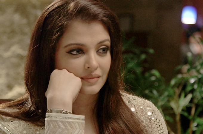 Aishwarya Rai Bachchan - Stránka 13 2012125122753206734_20