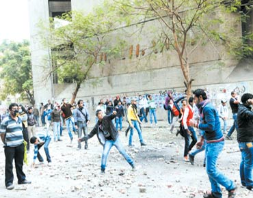 ثورة - أجواء ثورة 25 يناير تخيم على ميدان التحرير مجدداً 182182