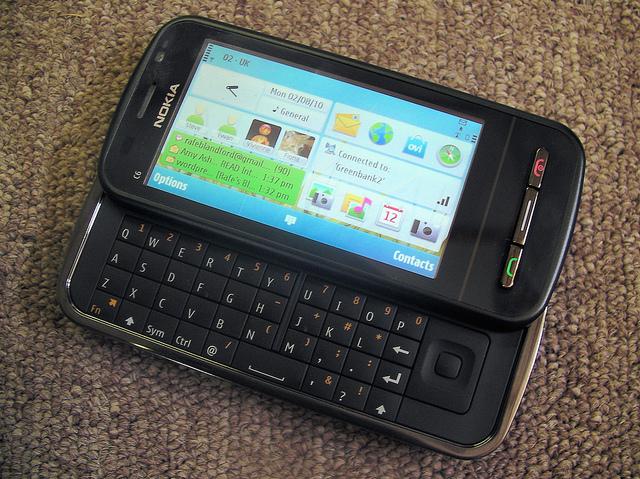 vendo nokia c6 NokiaC6ReviewPt1-12