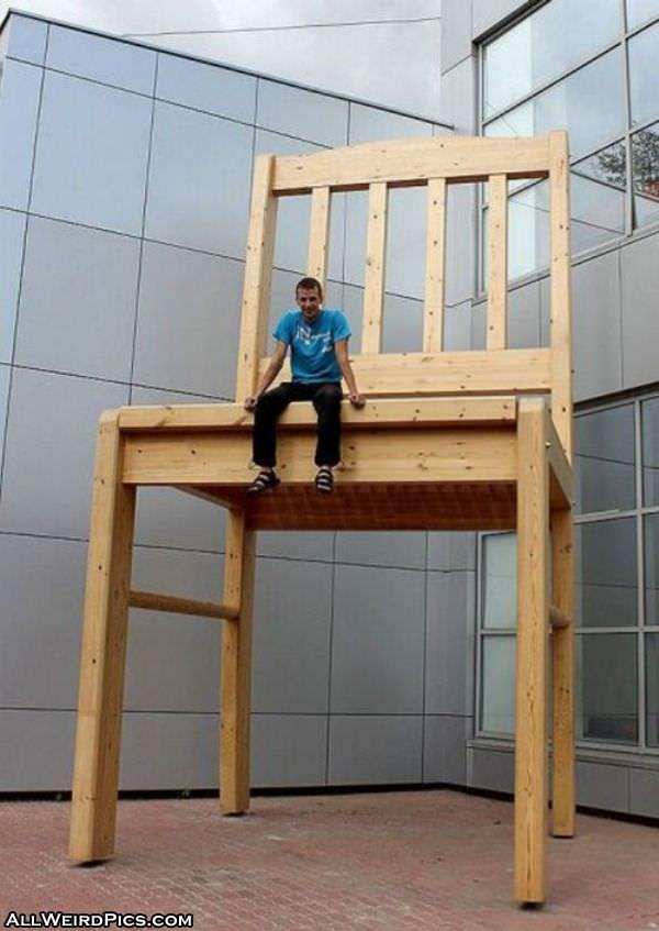 Consiglio cavi (e non ci ammazziamo...) Huge_Chair