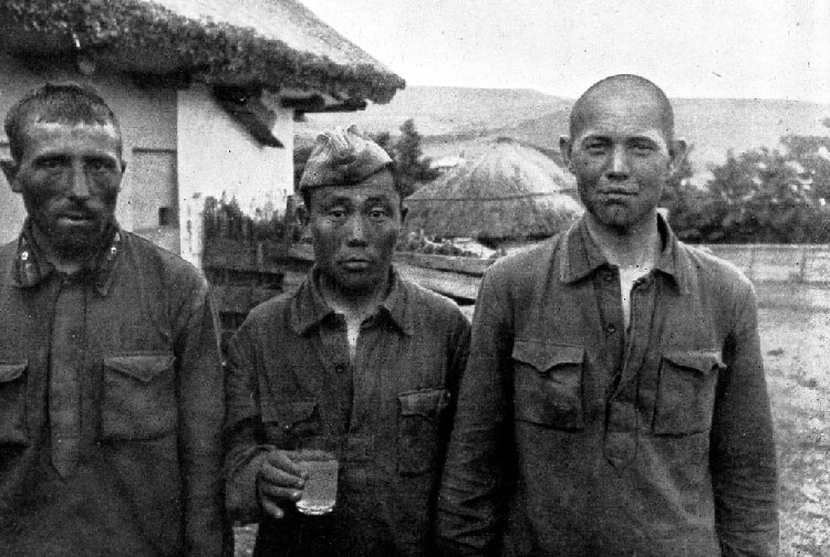 visages de soldats Bessarabia-Ukraine-Crimea-192