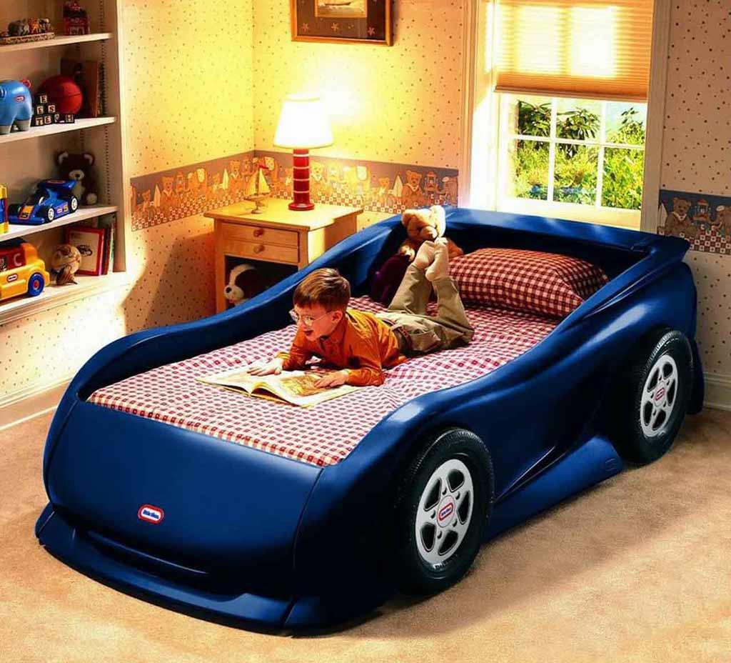 غرف نوم على شكل سيارات للأطفال  Race-car-shaped-kid-bed