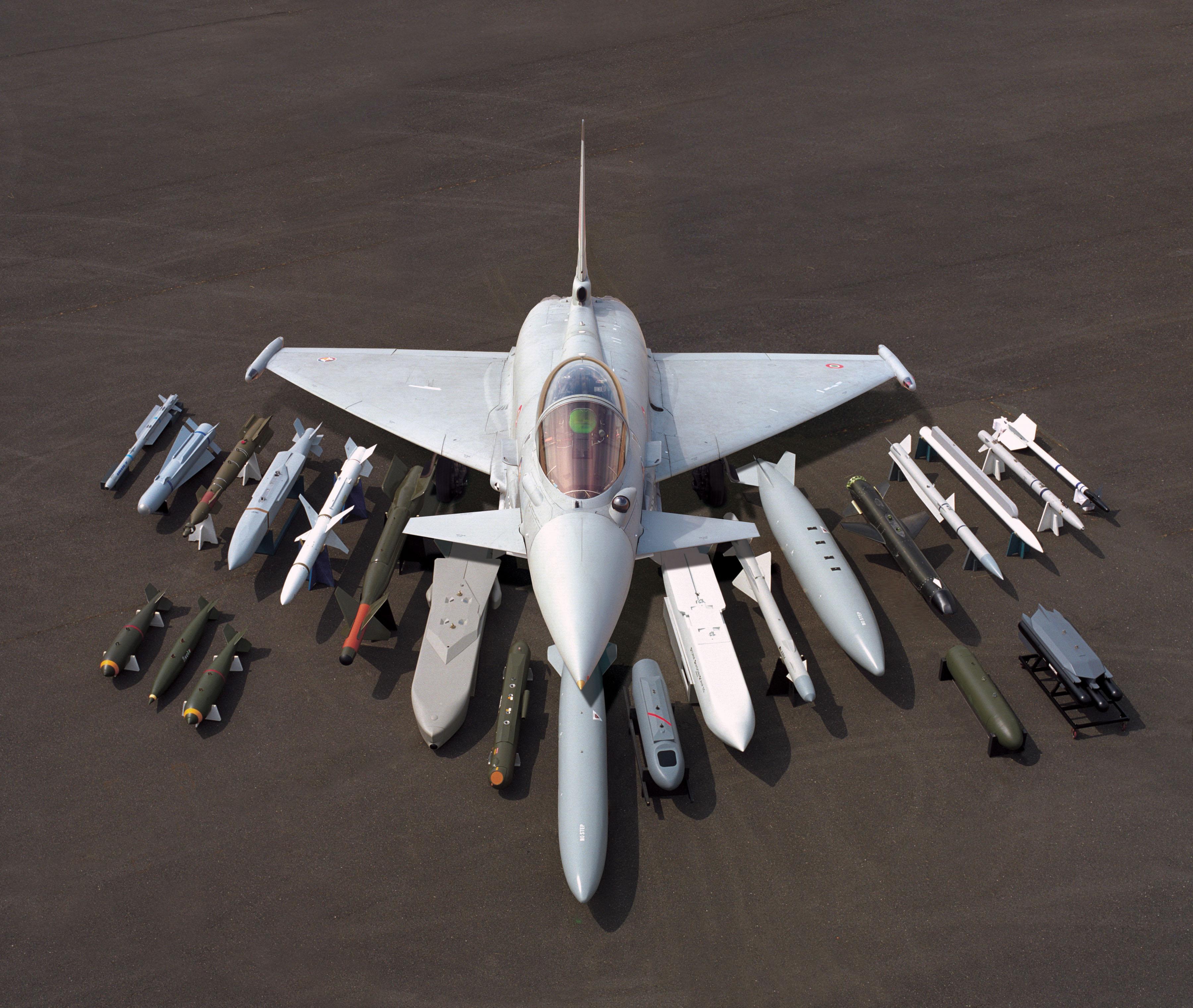 تطوير جهاز اطلاق مشترك لطائرة Typhoon  Eurofighter-typhoon-2