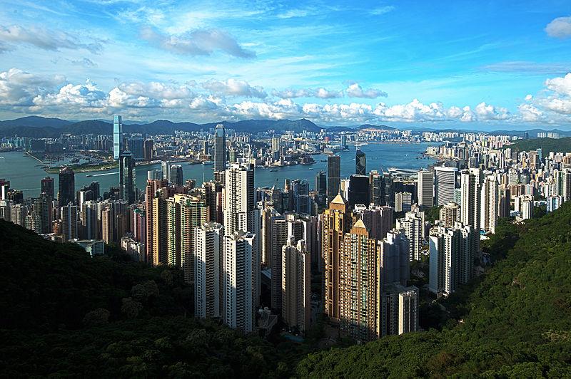 مدينة هونغ كونغ أكثر المناطق كثافة سكانية في العالم Hong-Kong-Kowloon-Panorama-Victoria-Peak-2011