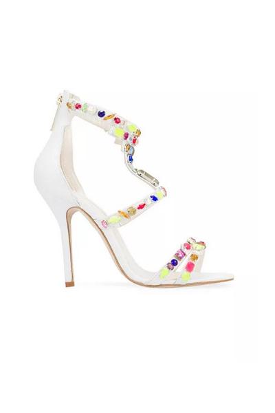 صنادل ملونة لربيع 2015 White-Sandal-from-Oscar-de-la-Renta