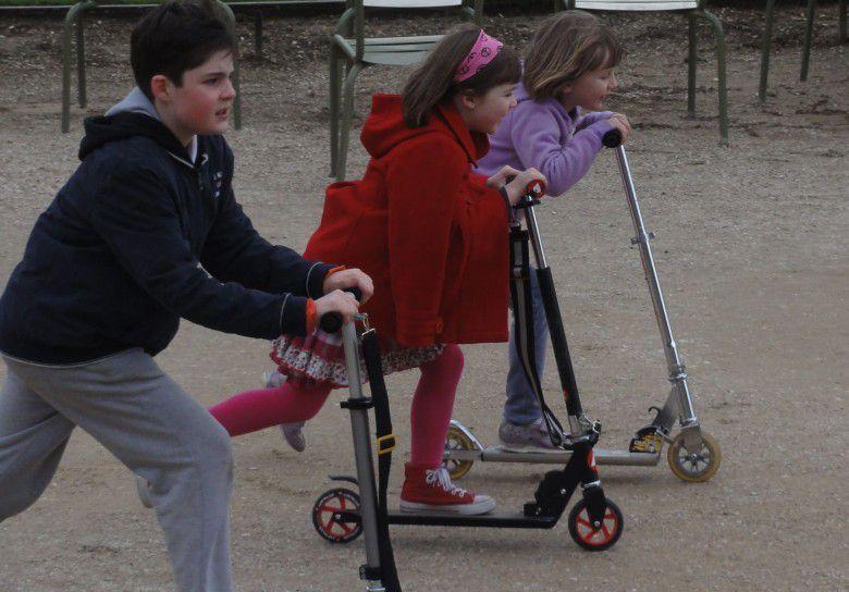 الأطفال الأكثر سعادة في العالم Luxembourg-ranked-at-an-average-of-9.2-for-the-overall-child-well-being-in-the-country