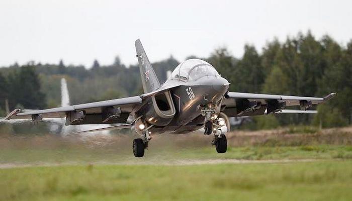"""مفاوضات مصرية روسية لتزويد القوات الجوية المصرية بطائرات تدريب حربية مطورة طراز """"Yak-130 0000076"""