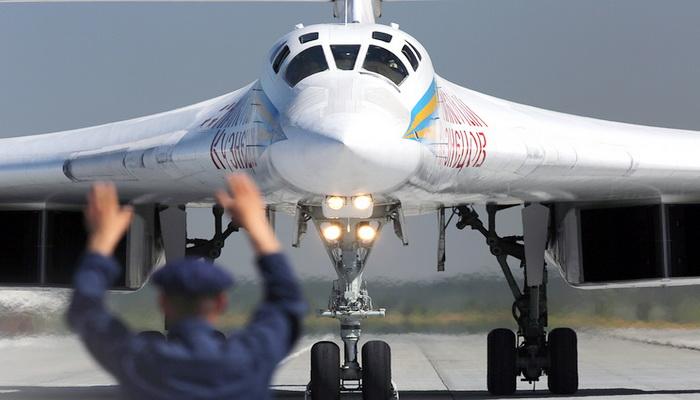 روسيا تسعى لترقية وزيادة مدى الطيران للقاذفة الإستراتيجية توبوليف TU -160. 200261