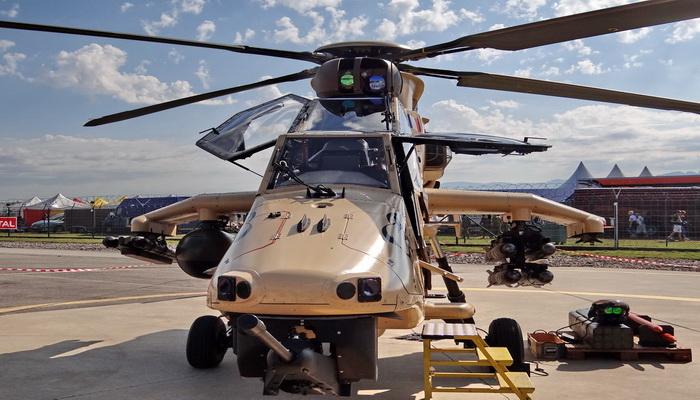 """تسليم مروحية """"النمر- """"TIGER النسخة """"هاد- HAD"""" المحدثة الأولى إلى طيران الجيش الفرنسي 033"""