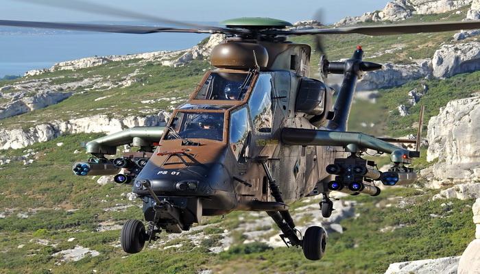 """تسليم مروحية """"النمر- """"TIGER النسخة """"هاد- HAD"""" المحدثة الأولى إلى طيران الجيش الفرنسي 037"""
