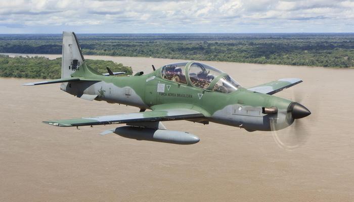 الولايات المتحده توافق على بيع 12 طائره A-29 Super Tucano الى نيجيريا  062