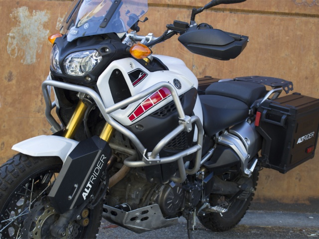 Pare-cylindre Touratruc Installed-altrider-upper-crash-bars-for-the-yamaha-super-tenere-xt1200z