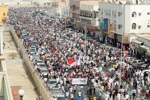 التغطية الشاملة لكسار فـاتحة الشهيد علي جواد الشيخ و مسيرة الشموع  - صفحة 3 Loc-m-1