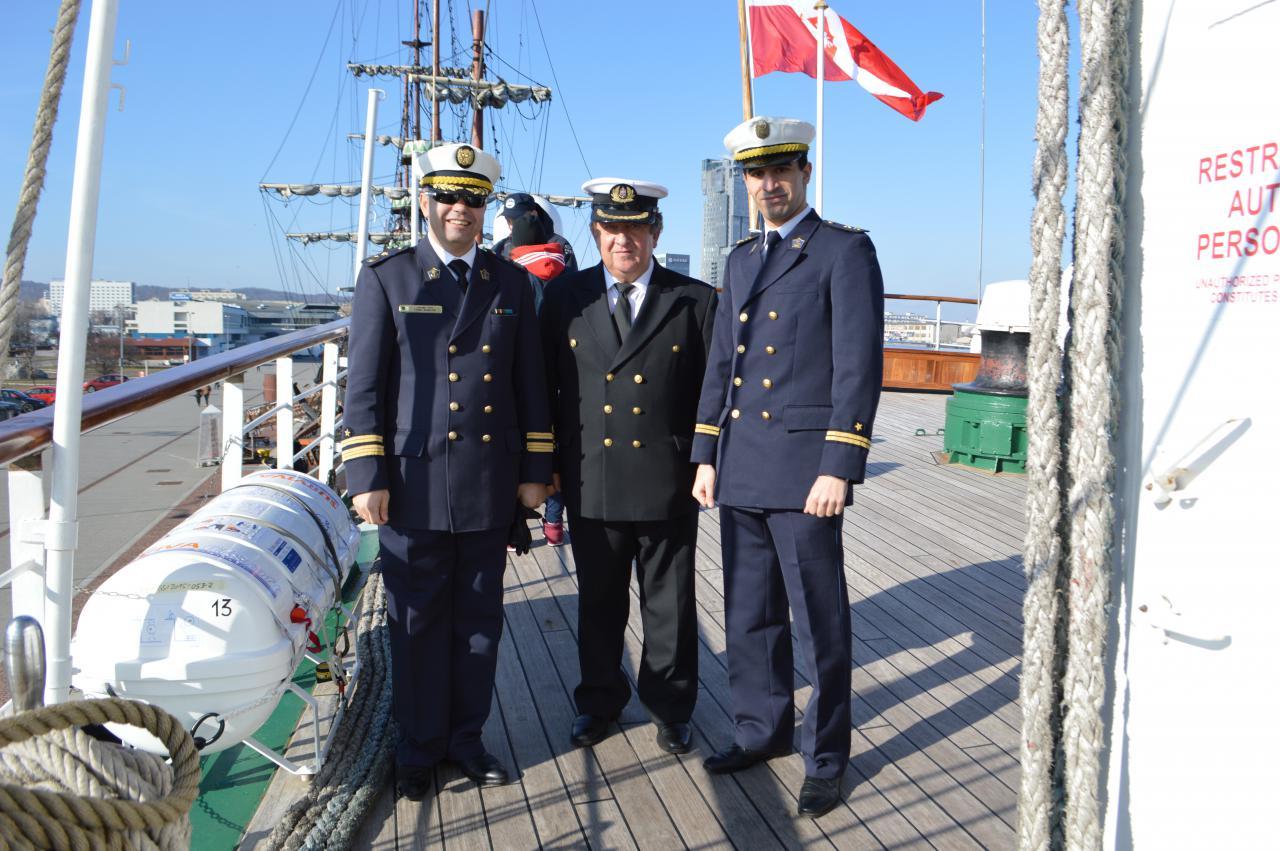 الجزائر تبني السفينة الشراعية  في بولونيا والتسليم في 2016 - صفحة 2 Dsc_1274