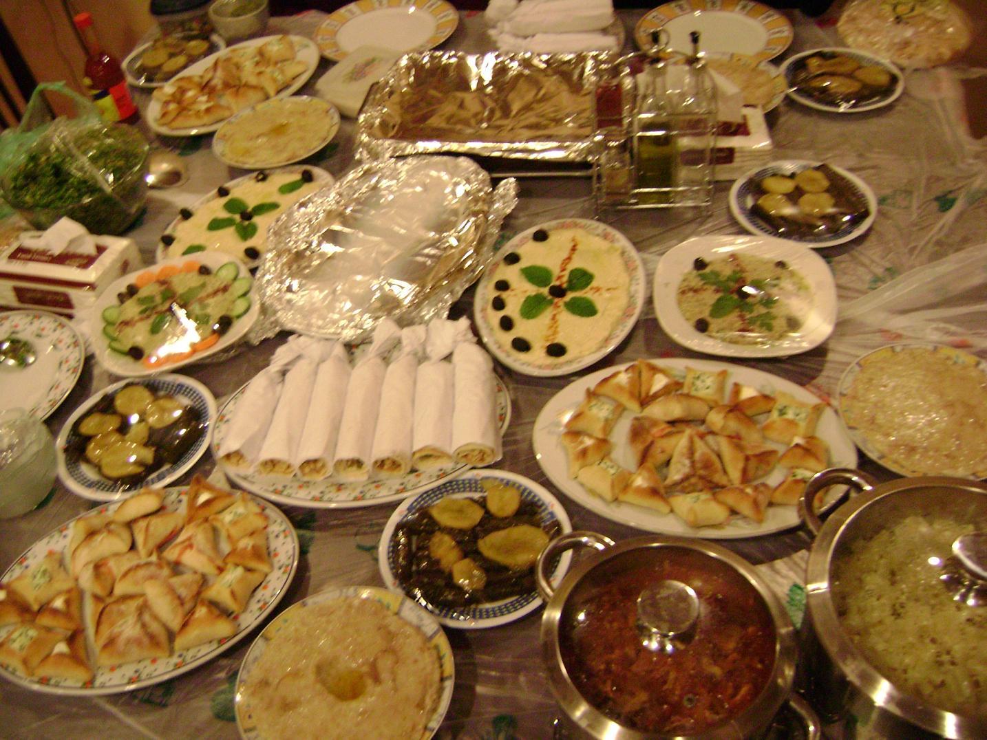 عزومة جمال علي العشاء O7451ofb4h7oj4u7kgl