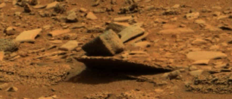 Ummm is that a cannon on Mars? Mars-cube