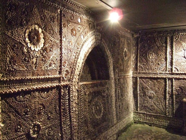 The Shell grotto: Mysteriously Beautiful Desktop-1433533664