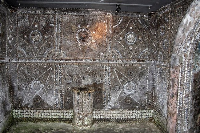 The Shell grotto: Mysteriously Beautiful Desktop-1433533671