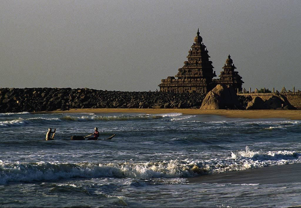 Legendary Ancient Temple Found in India's Coastal Waters India_03-1024x708