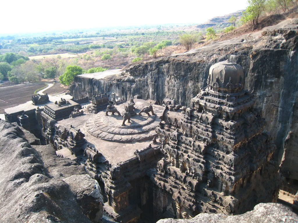 10 mind-boggling images of the Kailasa Temple that prove ancient man had advanced technology Ellora-amazing-1024x768
