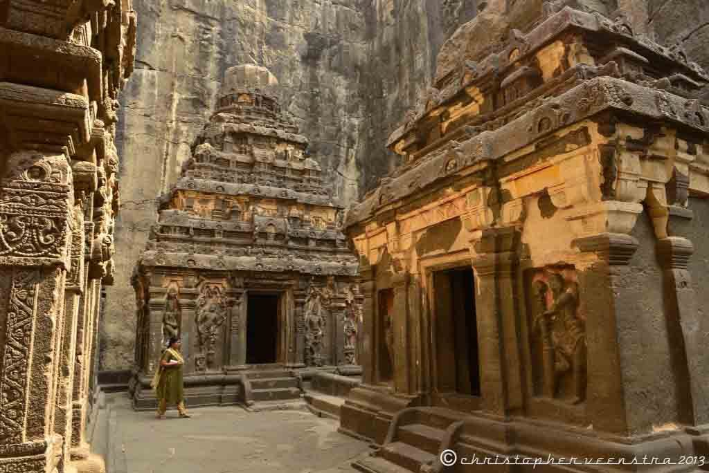 10 mind-boggling images of the Kailasa Temple that prove ancient man had advanced technology Wpid-photo-2013-01-30-118-am-1024x684