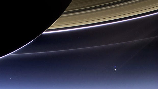 30 images that will make you RECONSIDER your ENTIRE existence Earth-as-seen-from-Saturn