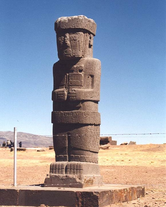The Statues and Symbolic Gestures that Link Ancient Göbekli Tepe, Easter Island, and Other Sites Around the World  Statue-from-Tiwanaku