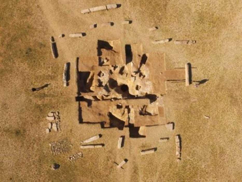 Extra...Extraaa...Acaba de salir Nuevo Video de Alfaro. - Página 8 Monumental-Mongolian-Burial