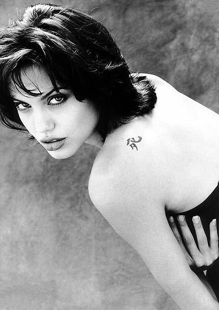 Анжелина Джоли / Angelina Jolie - Страница 3 29