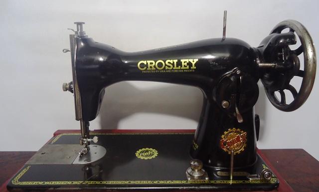 Gira discos Crosley 1456593623_ANGELO_SPRICIGO-MAQUINA_912-CROSLEY-FRENTE__1