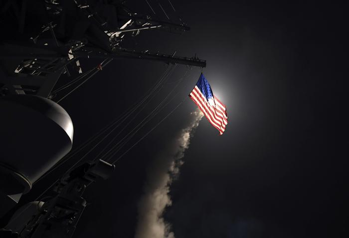 Attacco Usa in Siria, Trump invia missili Tomahawk sulla 'base dei raid chimici contro Idlib'. Nave russa entra nel Mediterraneo  Ea244736861335c909966201b213ab38