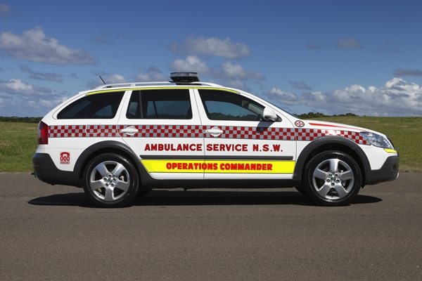 Skoda au service de la police - Page 3 %C5%A0koda-Octavia-Scout-4X4-DSG-NSW-Ambulance