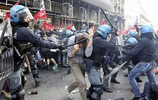 Gobierno de Nicolas Maduro. - Página 21 Roma-protestas