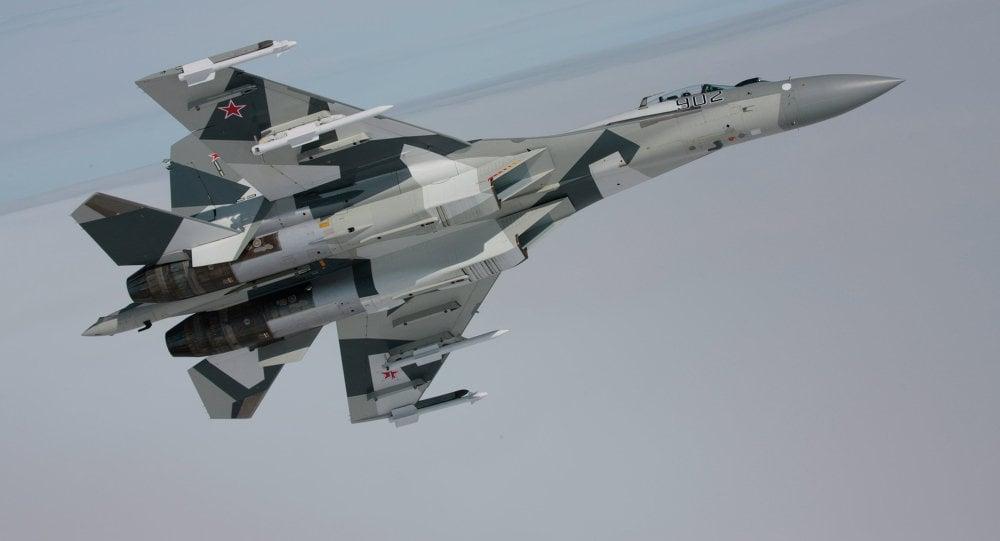 Sujoi Su-30 MK2 - Página 9 Sukhoi_avion_volando