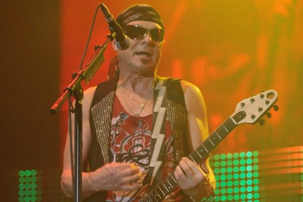 Scorpions - Return to Forever (Νέο Album)  Scorpions-Dominik-Bindl
