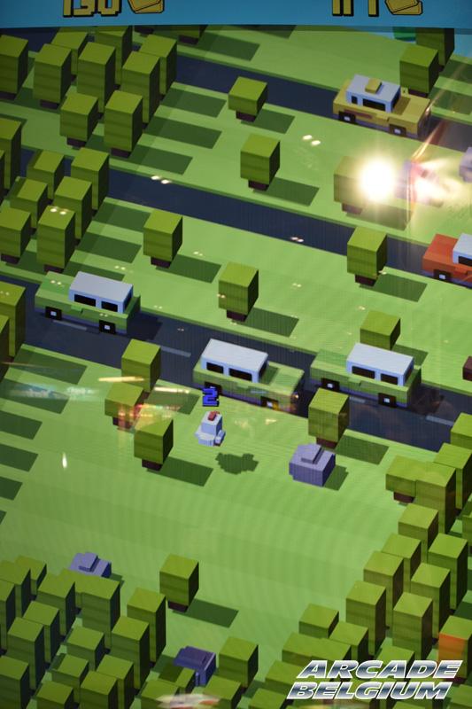 Crossy Road Arcade Crossyroad_03b