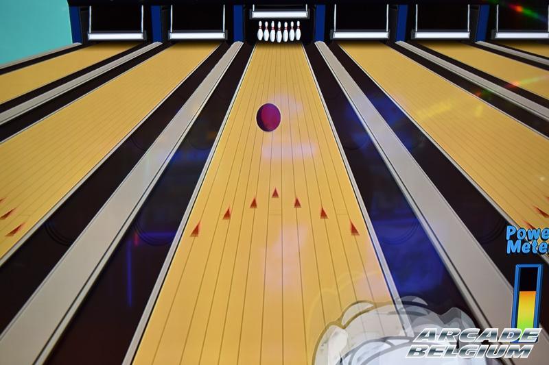 Family Guy Bowling Eag18260b