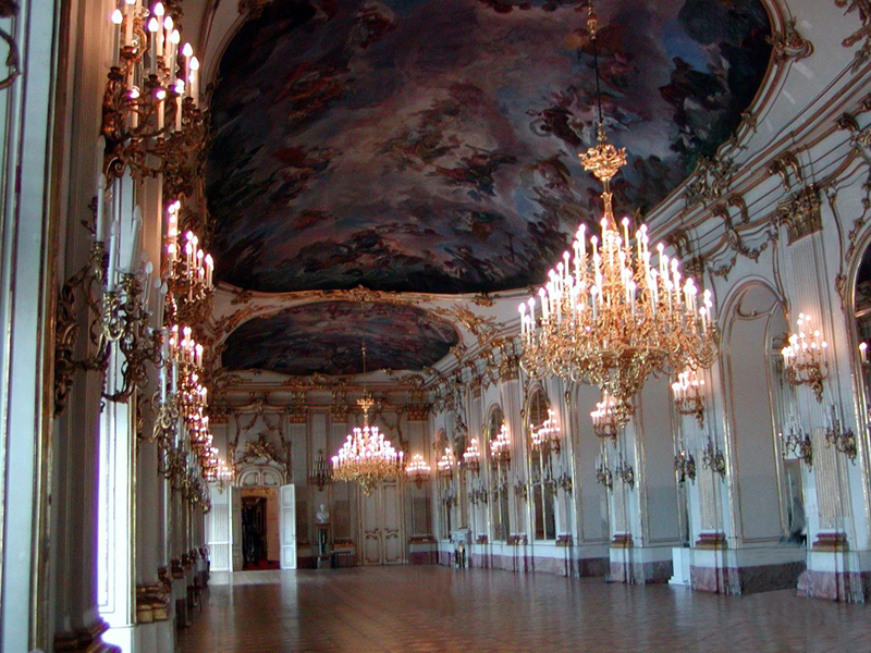 Remembering Tartaria - Page 2 Schonbrunn_ballroom2