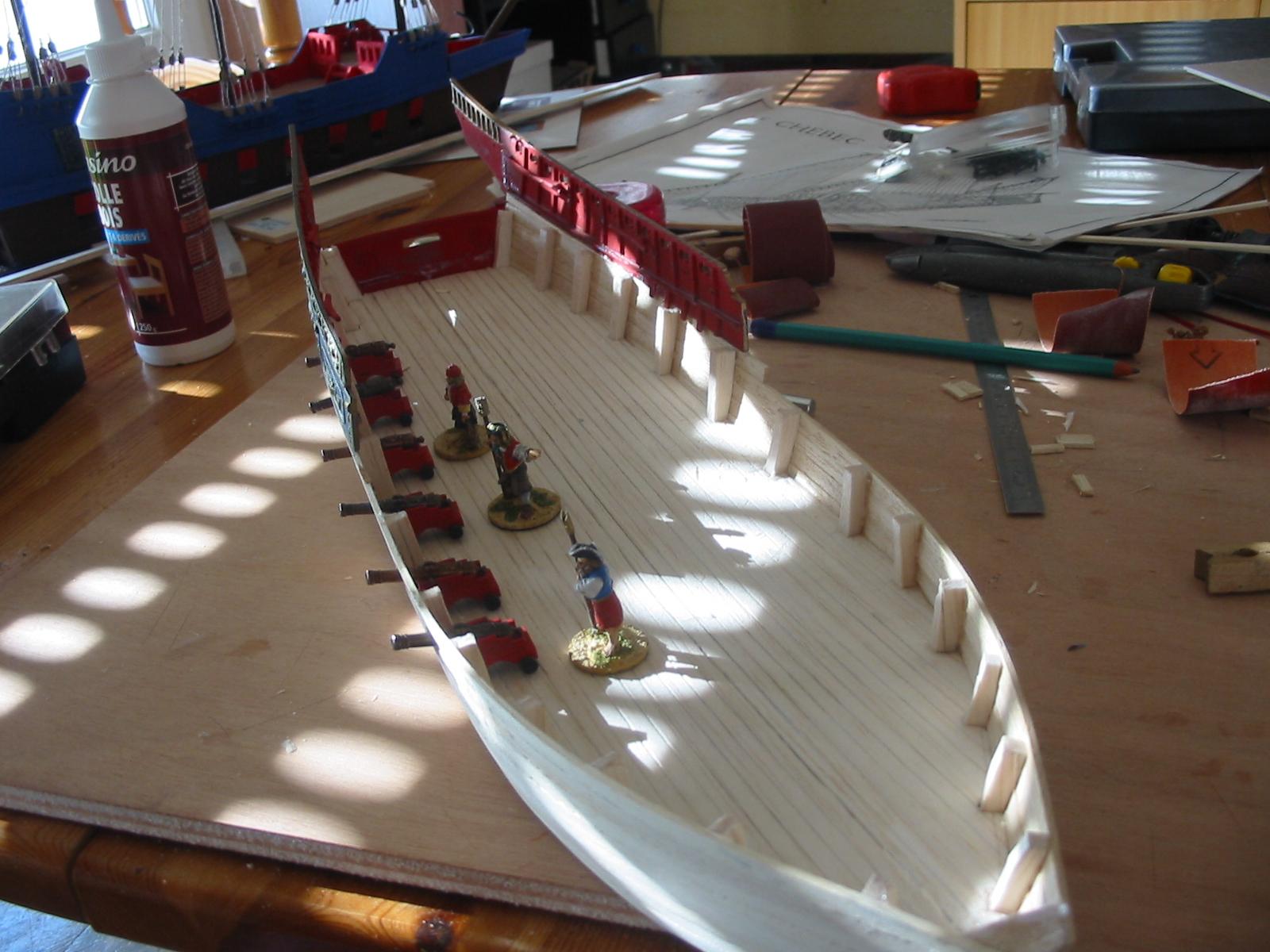 L'Étoile d'Orient, un nouveau petit batô en construction 174-7427_IMG