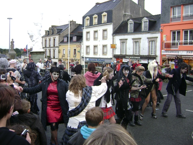 Festival zombie à Gourin (56) Zombie3